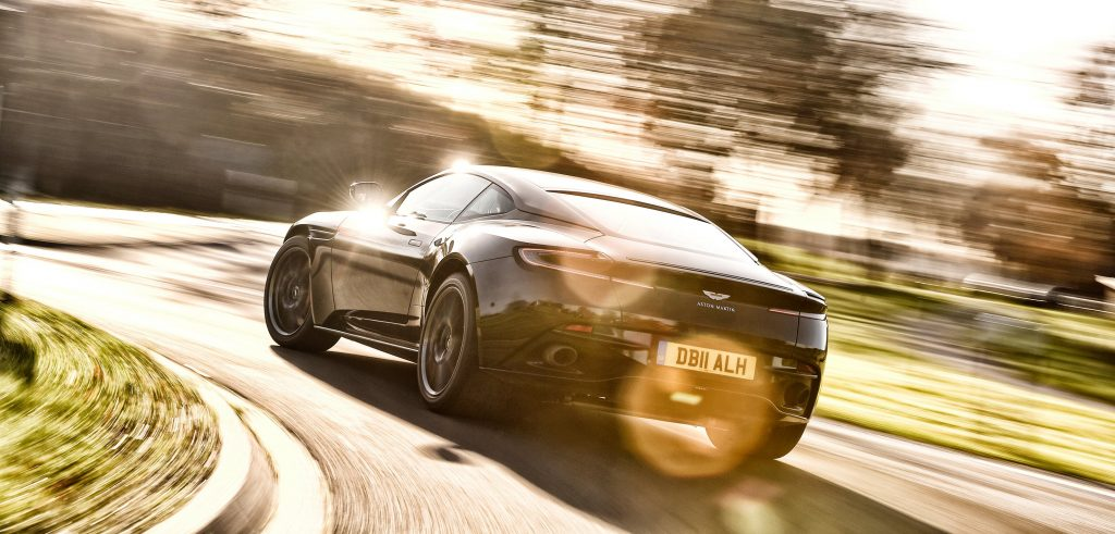 Aston Martin DB11 ...